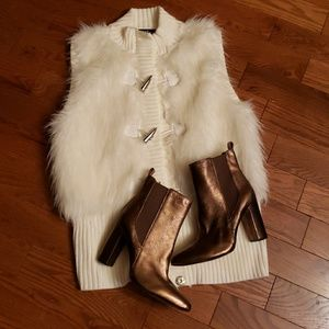 VINCE CAMUTO booties NWOT
